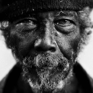 amazing_black_and_white_photos_of_the_homeless_640_06